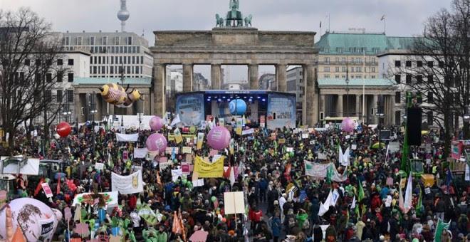 Un momento de la manifestación en Berlín contra la industria agroalimentaria. - EFE
