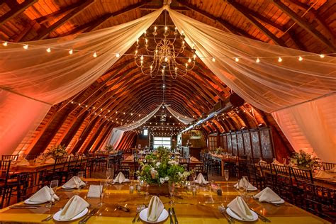jersey barn wedding  barn  perona farms