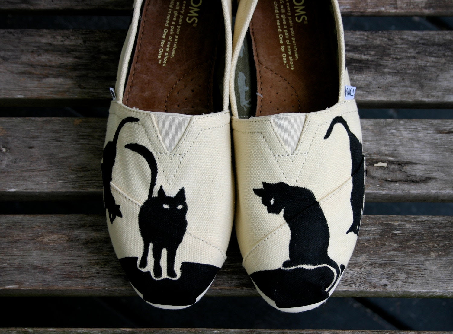 Black Cat Tom ( I supply the Tom) - ShoeTrip
