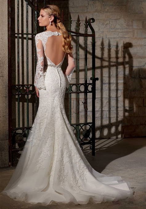 How much do wedding dress alterations cost   Find you dress
