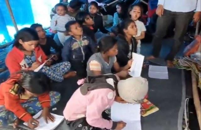 कूड़ा बीनने वाले बच्चों को मिली कलम की ताकत, गाजीपुर बॉर्डर पर खोली गई पाठशाला