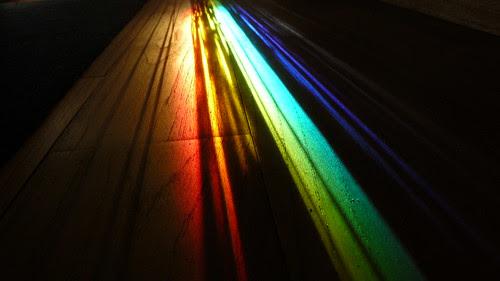 timide les jours derniers, mon petit rayon d'arc-en-ciel est de retour - série 29 novembre by Claudie K