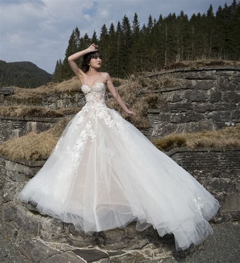 Galia Lahav Alma Second Hand Wedding Dress on Sale 41% Off