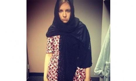 Lecehkan Hijab, Aktris Hollywood Minta Maaf