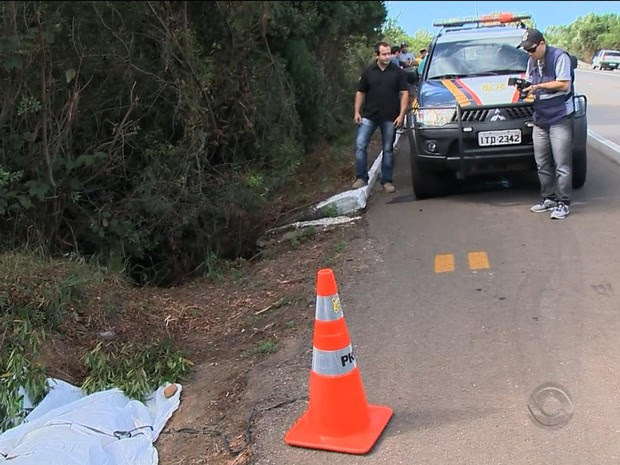 Acidente ocorreu na BR-392, em São Sepé (RS) (Foto: Reprodução/RBS TV)