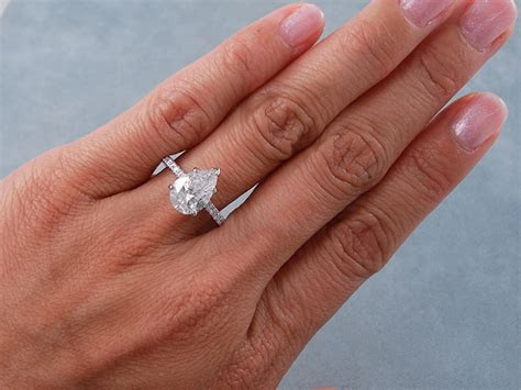 2.25 CTW PEAR SHAPE DIAMOND ENGAGEMENT RING G/SI2
