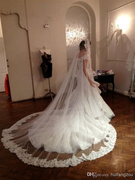 1 layers Ivory Bridal Wedding Veils Hem Lace Appliques