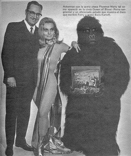 Ackerman con Florence Marly y gorila