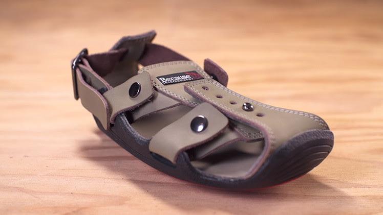 El zapato que crece, creado por Kenton Lee