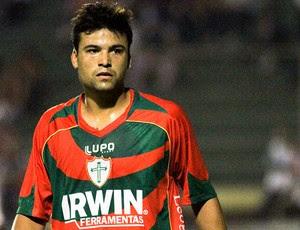 Héverton jogador da Portuguesa