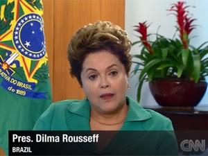 A presidente Dilma Rousseff, em entrevista à CNN, ao comentar a derrota do Brasil para a Alemanha na Copa (Foto: Reprodução/CNN)