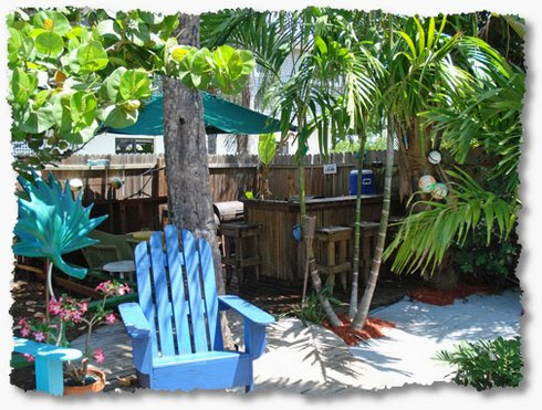 Creating Your Own Tropical Backyard Vacation - The Inspired Room