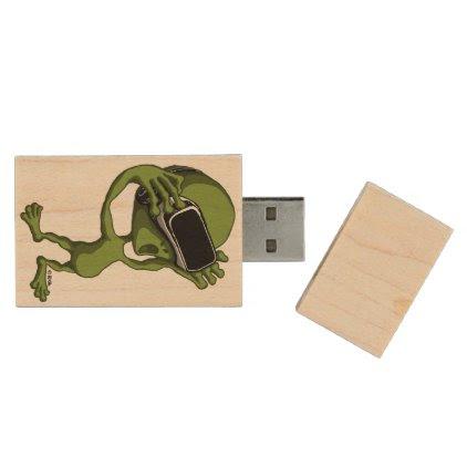 VR Alien Wood USB Flash Drive