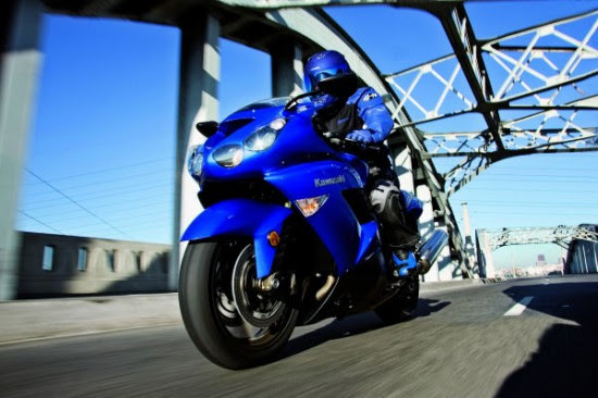 091605zx14 middle2 550x366 Top 10 Fastest Bikes 2010