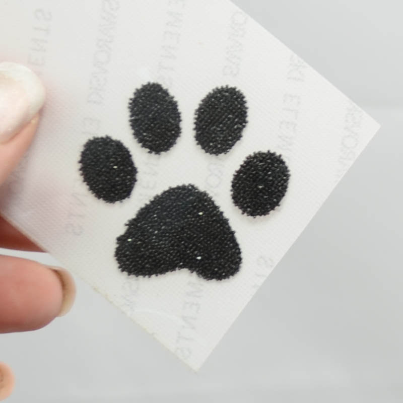 s37090 Swarovski - Crystal Fabric Applique  -  Puppy Paws (57338)  - Hematite (1)