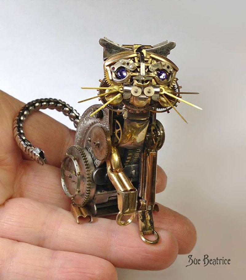 Pequenas esculturas steampunk feitas à base de relógios reciclados 11