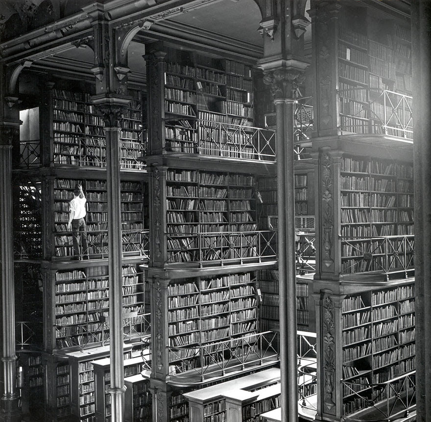 The Old  Public Library Of Cincinnati, Ohio, Usa