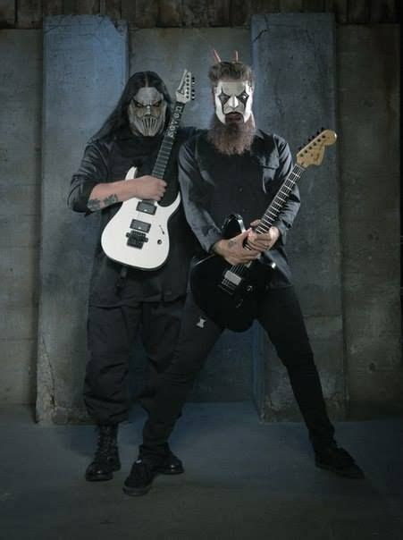 Mick Thomson and Jim Root Bunny ears! er  horns