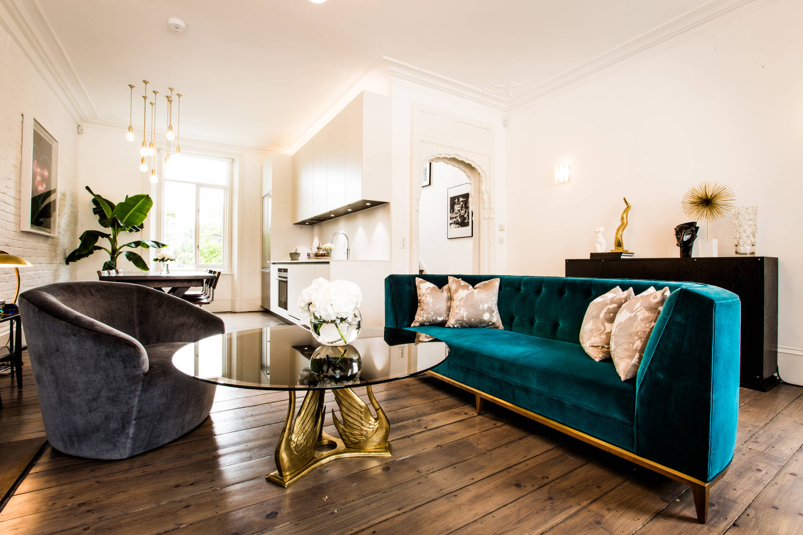 Which Type Of Velvet Sofa Should You Buy For Your Home ...