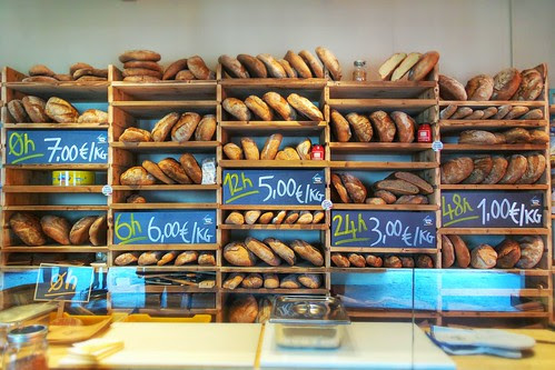 Vorrei un kg di #pane di 6 ore fa! by Ylbert Durishti