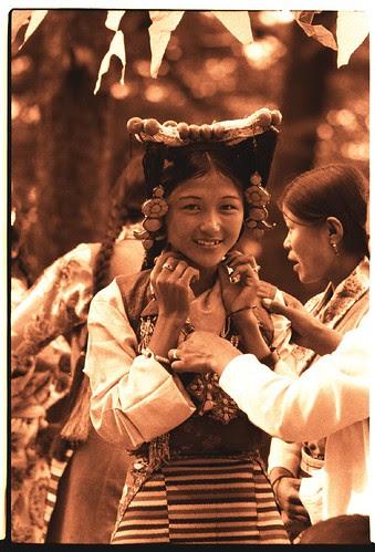 Tibetan opera costume