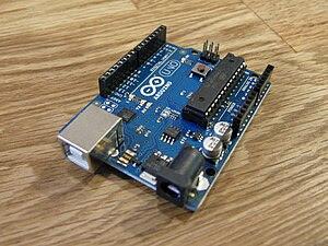 English: A Arduino Uno board. Português: Uma p...