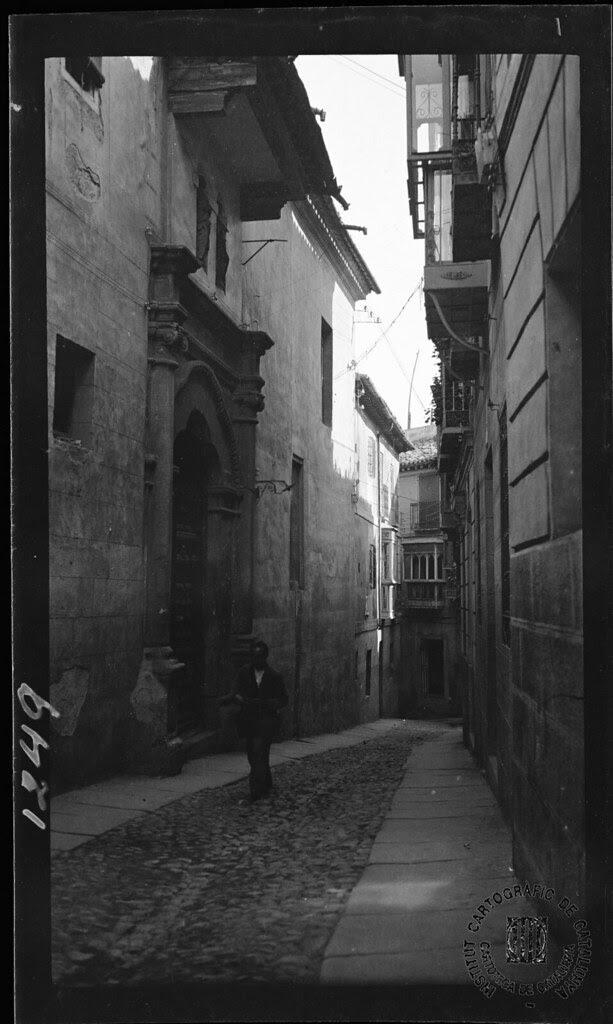 Calle de Santa Justa en 1933. Fotografía de Gonzalo de Reparaz Ruiz. © Institut Cartogràfic de Catalunya