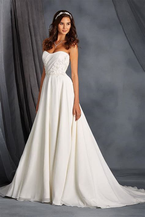 2562 Wedding Dress from Alfred Angelo Signature   hitched
