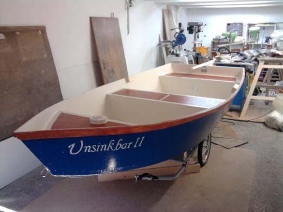 Έφτιαξε μόνος του ιστιοπλοϊκό σκάφος στο σπίτι (15)