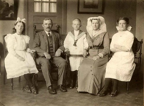 My greatgrandfather en -mother and my grandfather with sisters, The Netherlands