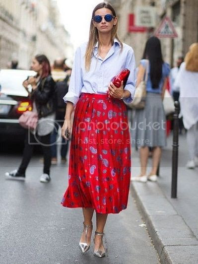 Top 3 reasons for red skirts - red Midi Skirt Picture  posted by Annie K, Fashion and Lifestyle Blogger, Founder, CEO and writer of ANNIES BEAUTY HOUSE - a german fashion and beauty blog