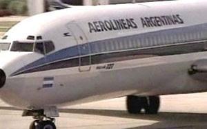 No Galeão, no Rio, todos os voos da Aerolíneas Argentinas foram cancelados nesta quinta (Foto: Globo News)