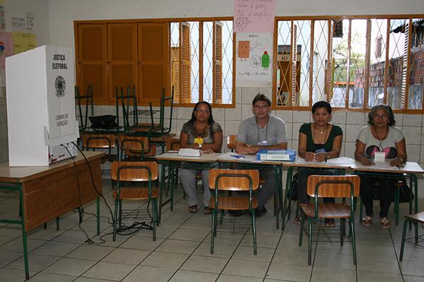 Mesários voluntários nas eleições gerais de 2010, em Natal