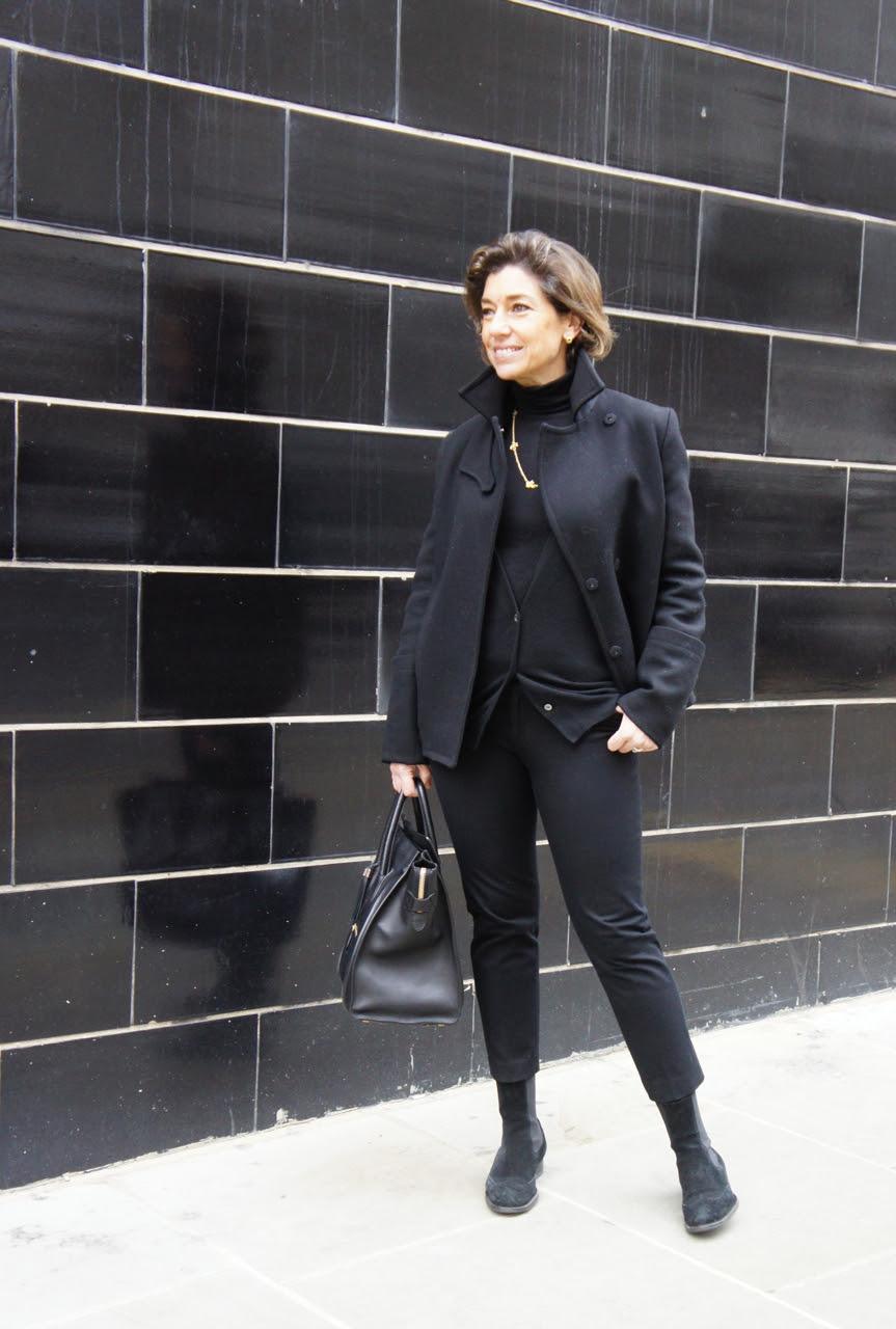 Casaco Phillip Lim (designer americano), suéter de gola alta BP Studio, cardigã J+ da Uniqlo, calça Banana Republic, bota Andreoni, bolsa Céline e colar H.Stern