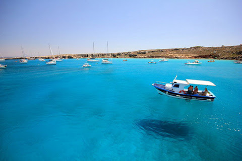 Boats-Fly-Over-Crystal-Clear-Water-7