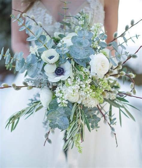 30 Winter Wedding Bouquets That You?ll Love   Weddingomania