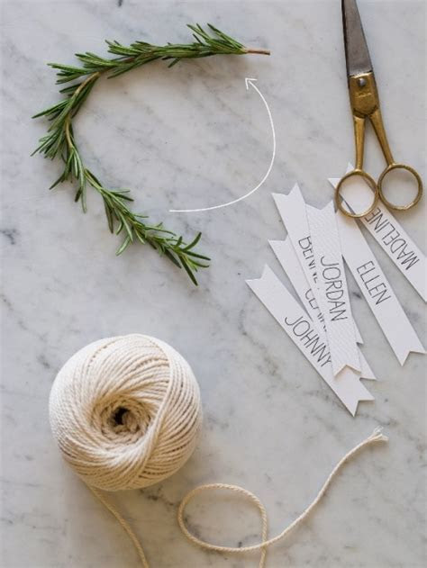 Rustic DIY Rosemary Wreath Place Cards For Your Winter