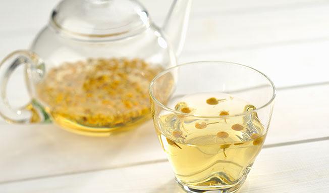 infusion de camomille pour shampoing doux