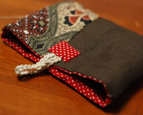 How to make a button pouch with two pockets 29