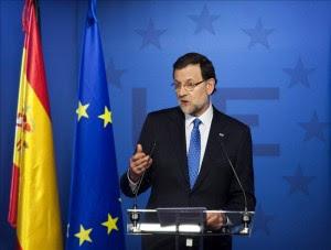 El presidente del Gobierno español, Mariano Rajoy, durante la rueda de prensa que ofreció ayer al término del Consejo Europeo celebrado en Bruselas. EFE