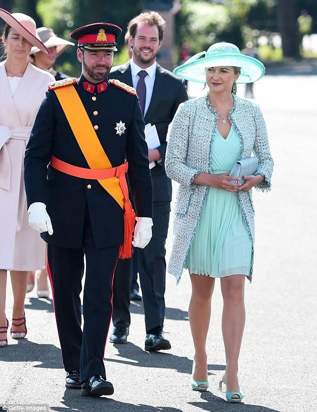 O príncipe Guillaume do Luxemburgo e sua esposa, a princesa Stephanie, do Luxemburgo, estavam presentes para apoiar seu irmão mais novo