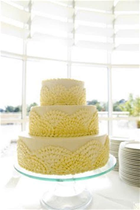 Wedding Cakes Pictures: Yellow Wedding Cake Ideas