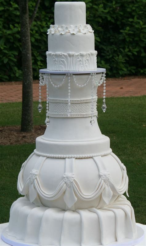 a different type of wedding cake   Cakes for the Wedding