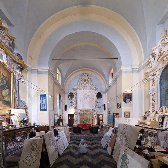 Όχι, όχι στις εικόνες που απεικονίζονται άγιοι.  Εκκλησία του San Rocco στο Βερντέν ανήκει τώρα από τον καλλιτέχνη Valerio Berruti.  Την redid στο στούντιο, το οποίο είναι επίσης το σπίτι σε