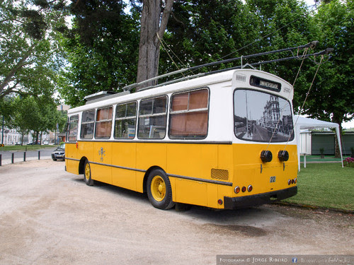 Autocarro elétrico antigo de Coimbra. Old electric bus of Coimbra