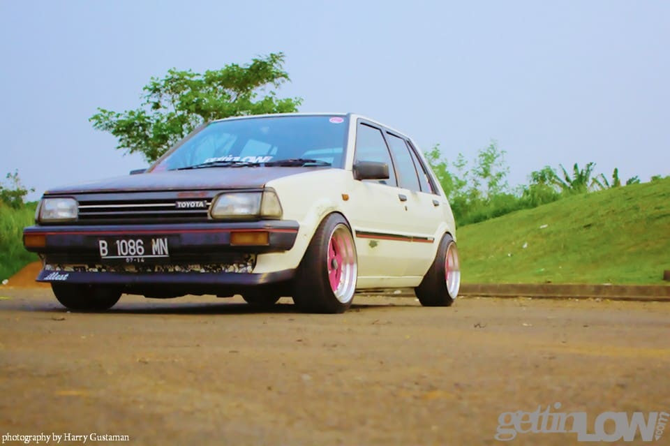 GETTINLOW  White Rusty Starlet: Tessars Toyota EP71 1988