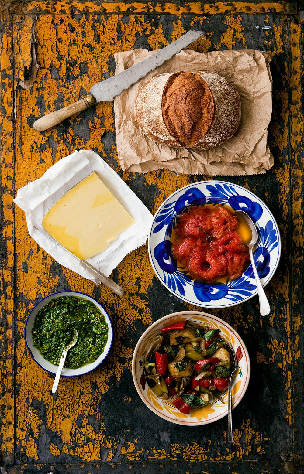 Domates Confit, Pesto ve Sebzeli Sandviç - Malzemeler