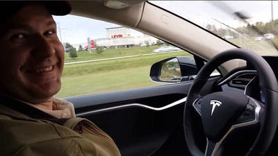 Fatal Tesla crash exposes lack of regulation over autopilot technology