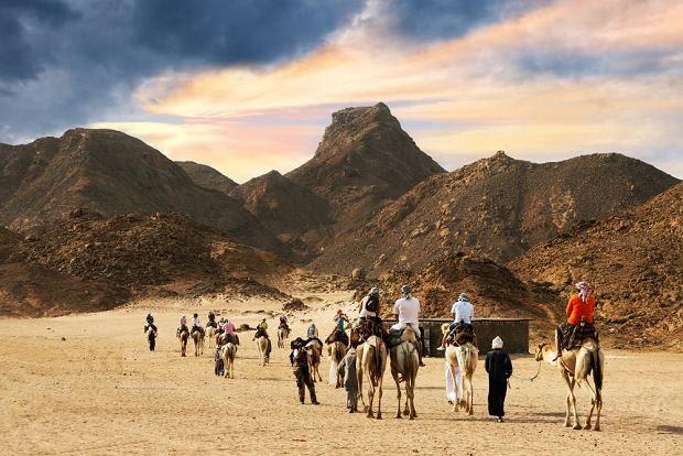 Wakacje zimą - Tunezja wycieczka na pustynię / fot. Shutterstock
