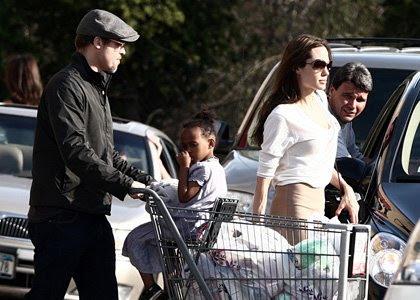 Brad Pitt, Zahara Pitt-Jolie, Angelina Jolie